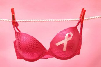 10 Breast Cancer Early Signs & Symptoms