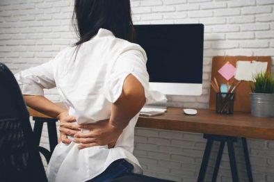 Middle Left Back Pains – The Main Causes, Symptoms & Treatments